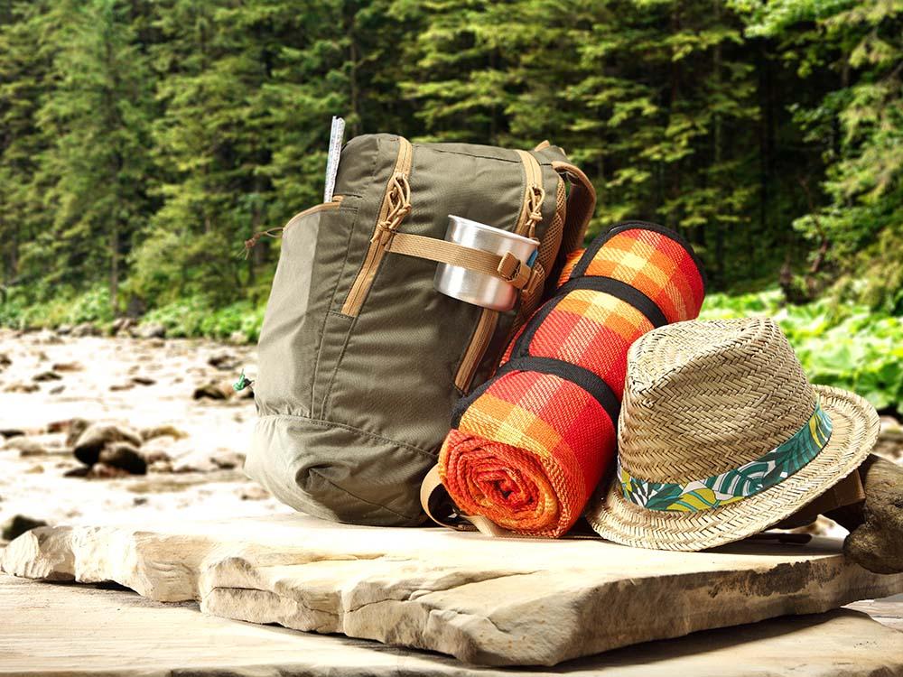 backpacker-in-bush